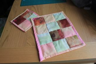 Cot quilt toy